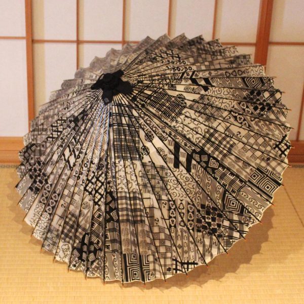 黒 粋 歌舞伎柄 蛇の目傘 市川海老蔵 Japanese umbrella
