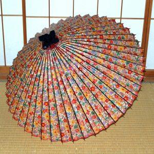 華やかな花柄の和傘 可愛らしい蛇の目傘  Japanese umbrella