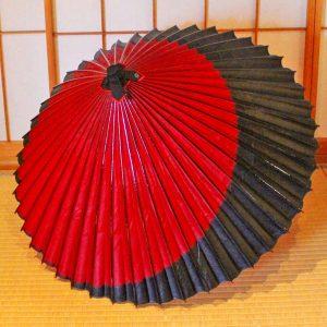 Japanese umbrella  赤と黒の月奴 蛇の目傘 番傘 和傘