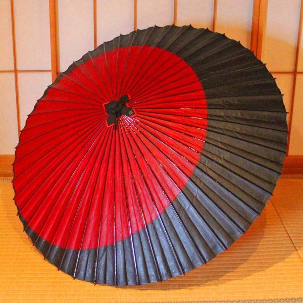 Japanese umbrella 赤と黒の月奴 蛇の目傘 番傘 辻倉 tsujikura