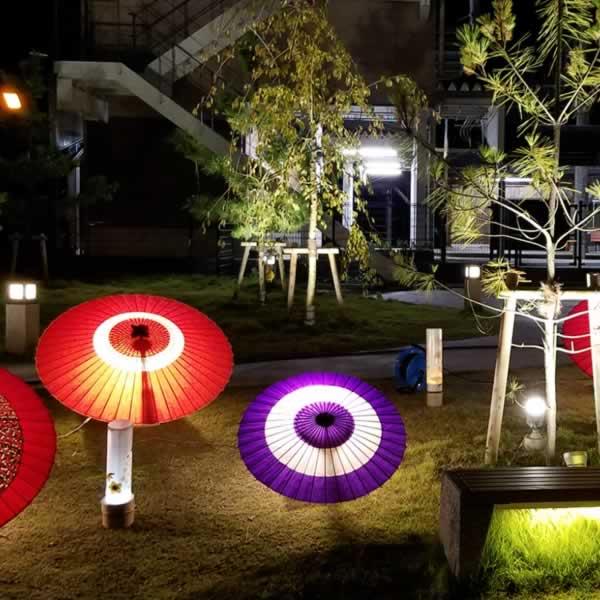 和傘のディスプレイ 照明
