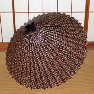 和傘 型染和紙の蛇の目傘 茶色と黒の菱つなぎ Japanese umbrella