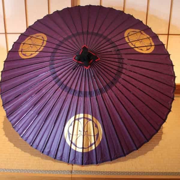 紫の蛇の目傘 金色の家紋を手書きて描く しるし入れ japaneseumbrella purple