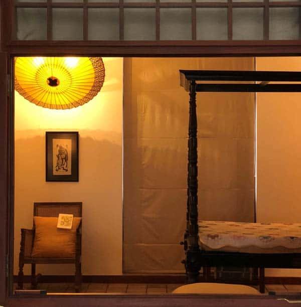 和傘のインテリア 蛇の目傘軒もようをインテリアに使う