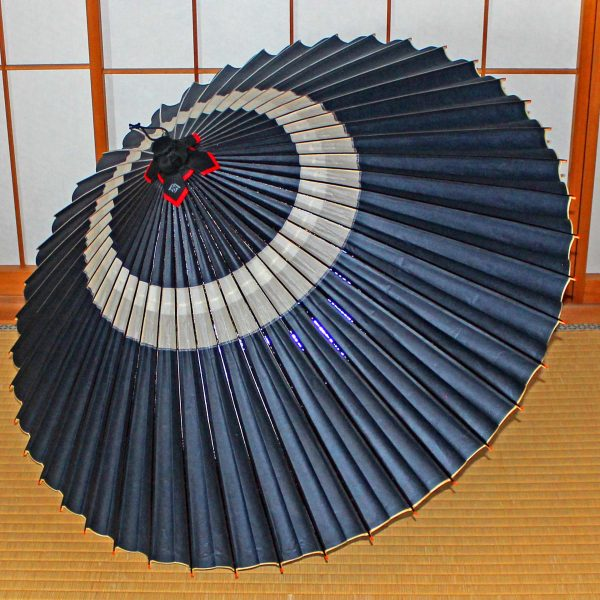 藍色の蛇の目傘 蛇の目柄 越中手漉き和紙 草木染 辻倉オリジナル和傘「極み」 Japaneseumbrella