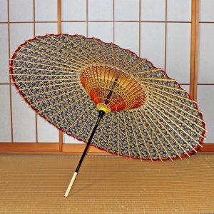 花模様和傘