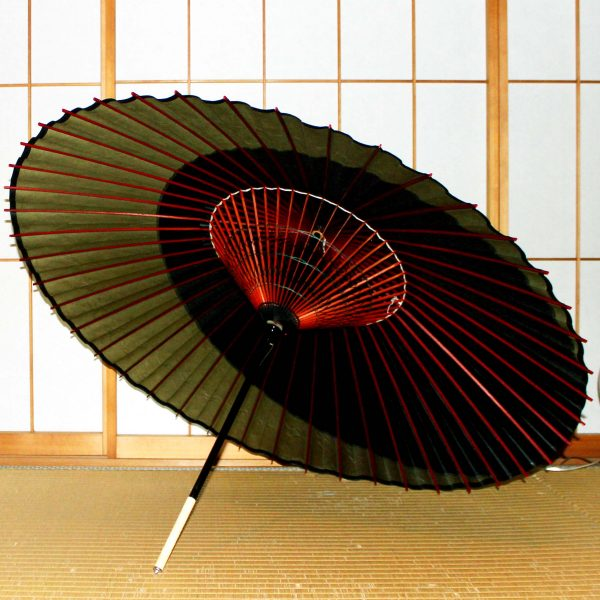 特選月奴 黒と松葉色 Japanese umbrella 和傘の内側