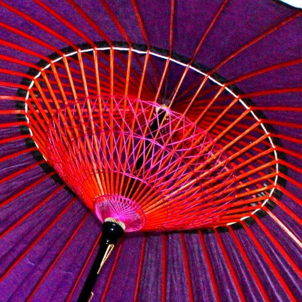 和傘 紫色の蛇の目傘内側 糸飾り