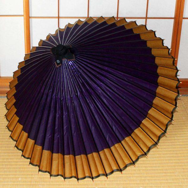 和傘 蛇の目傘軒色変わり紫地に黄金 Japanese umbrella
