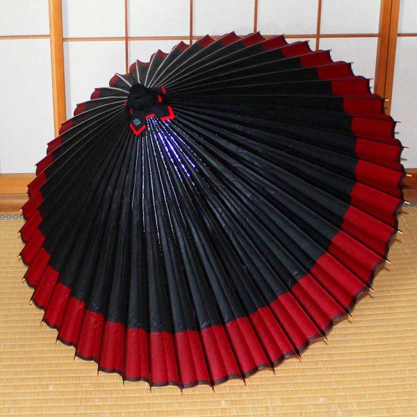 じゃのめ傘軒色変わり黒地に赤 Japanese umbrella