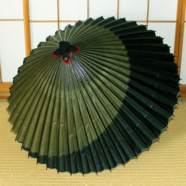 緑と黒の和傘 蛇の目傘 Japaneseumbrella