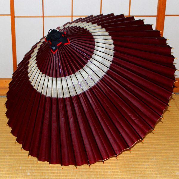あずき色の蛇の目傘 蛇の目柄 Japanese umbrella