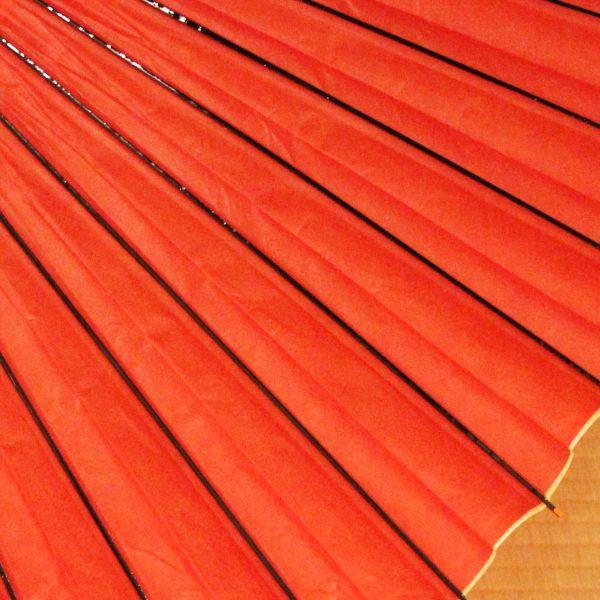 赤の和傘、赤の番傘、雨の日の和傘