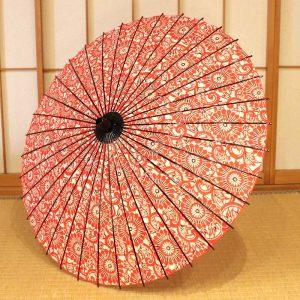 竹と和紙を主な材料として製作した和紙の日傘