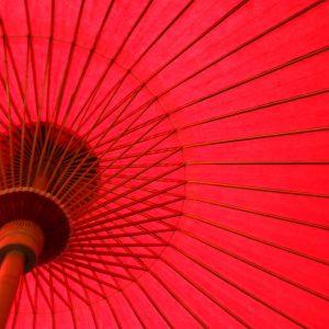 赤色の番傘(雨傘)