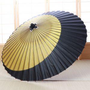 三日月もようの和傘です。